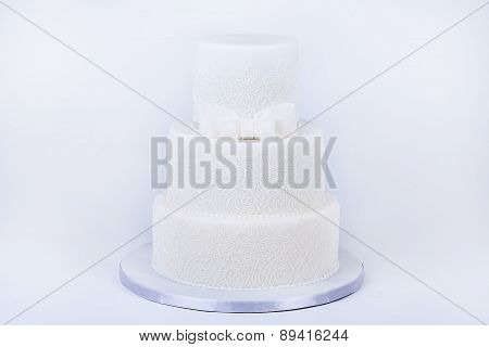 Delicious luxury ping wedding or birthday cake