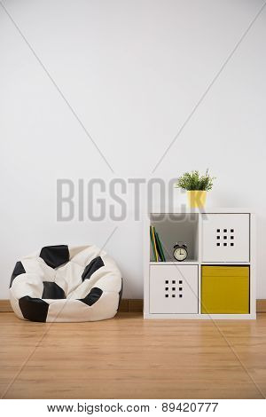 Ball Shape Sofa In Boy's Room