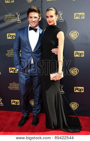 BURBANK - APR 26: Casey Moss, True O'Brien at the 42nd Daytime Emmy Awards Gala at Warner Bros. Studio on April 26, 2015 in Burbank, California