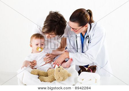 mother and child with paediatrician