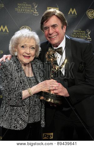 LOS ANGELES - APR 26:  Betty White, David Michaels at the 2015 Daytime Emmy Awards at the Warner Brothers Studio Lot on April 26, 2015 in Burbank, CA