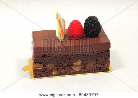 Chocolate Brownie Cake With Fresh Fruit