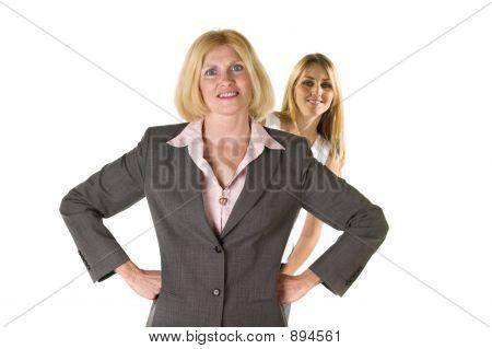 Frau mit sehr kleinen Business-Team 3