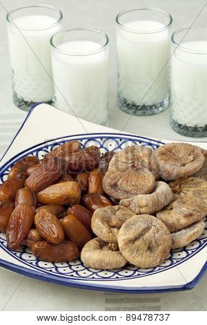Moroccan dried figs and dates with milk for ramadan