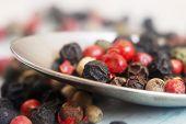 foto of peppercorns  - Peppercorn Blend - JPG