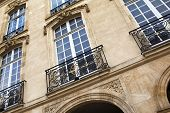 image of bordeaux  - Facade of an old French manion in Bordeaux - JPG