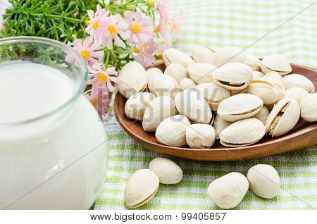 Raw Organic Pistachio Nuts.