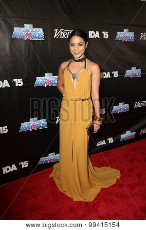 LOS ANGELES - AUG 19:  Vanessa Hudgens at the 2015 Industry Dance Awards and Cancer Benefit Show at the Avalon on August 19, 2015 in Los Angeles, CA