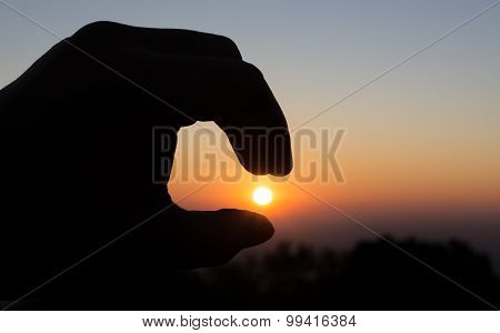 Image Of Finger Sun And Morning Sky .