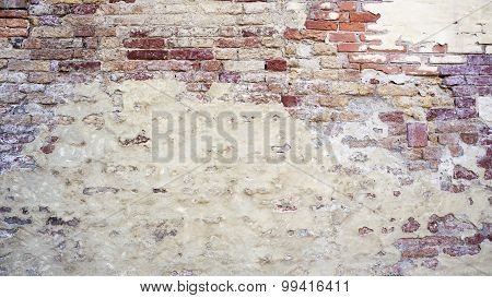 Decay Wall Mixed With Brick  Horizontal