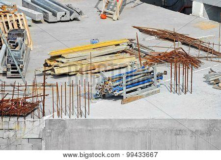 Reinforcement and construction equipment