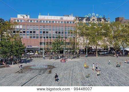 Sechselautenplatz Square In Zurich