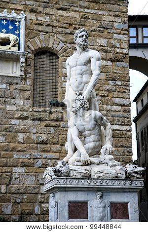 Hercules and Cacus statue standing in front of the Palazzo Vecchio at Piazza della Signoria in Flore