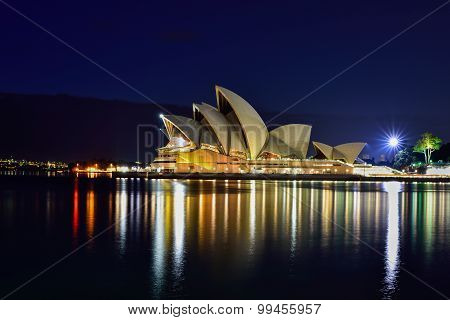 Long Exposure Fo Sydney Australia - August 22, 2015 : View Of Sunrise At Sydney Opera House