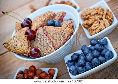 Delicious fruit cookies - wholemeal cookies