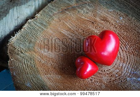 Two hearts on lumber