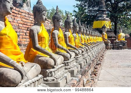 The prospect of a number of statues of Buddha, Thailand.