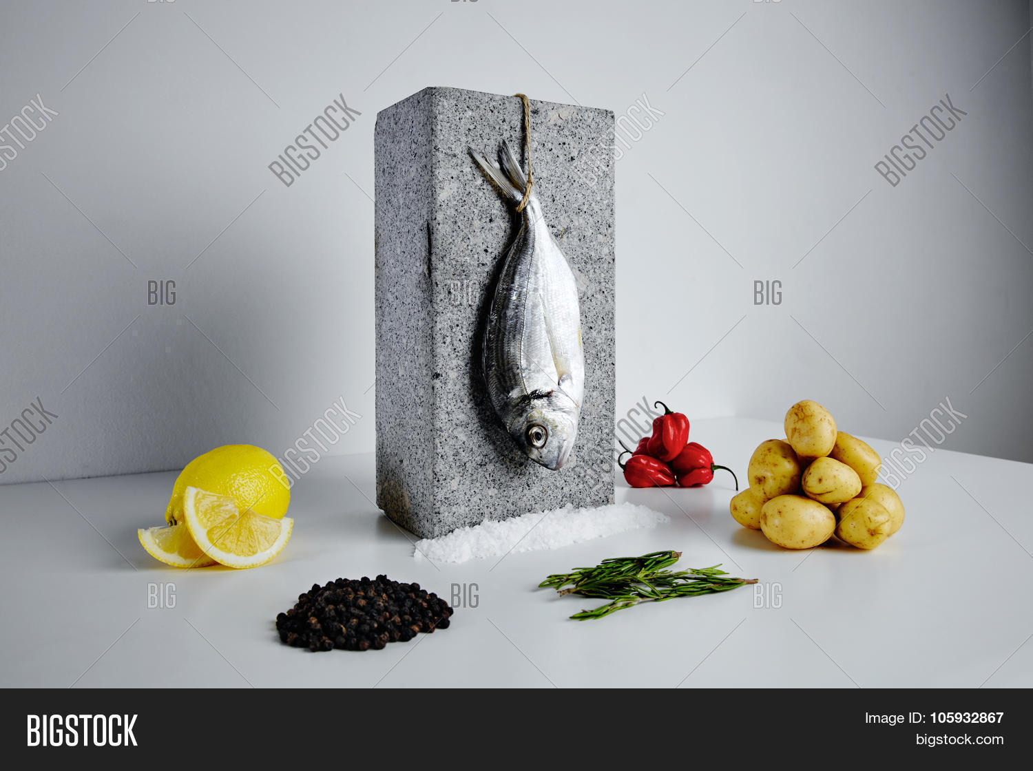 Dorada fish with aromatic herbs spices and vegetables for Aromatic herb for fish