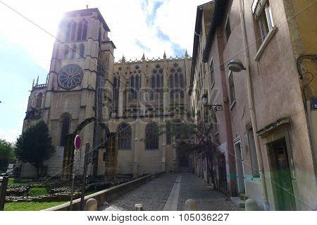 Rue Mandelot and Cathédrale Saint-Jean-Baptiste in Vieux Lyon