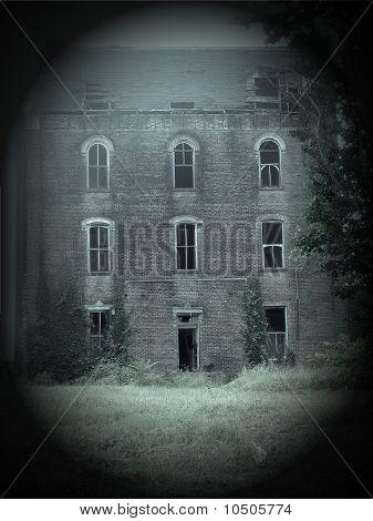 Unheimlich verlassenen alten Asyl