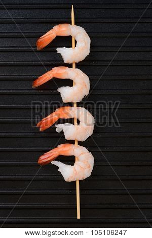 top view shrimp skewer on grill