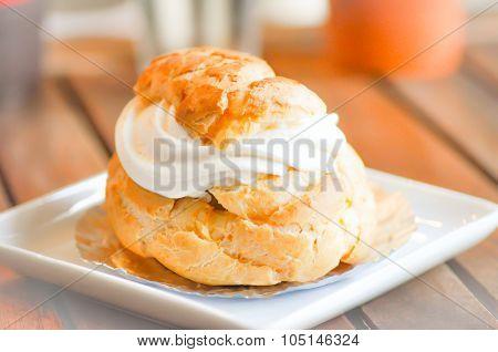 Choux Pastry,choux Cream,eclair
