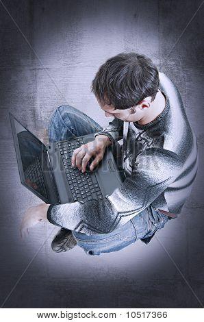 Trabajar en el ordenador portátil