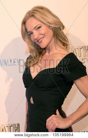 LOS ANGELES- OCT 17: Actress Victoria Pratt arrives at the
