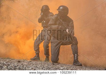Spec ops police SWAT