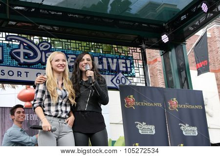 LOS ANGELES - OCT 17:  Dove Cameron, Sofia Carson at the Stars of