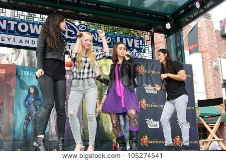 LOS ANGELES - OCT 17:  Sofia Carson, Dove Cameron, Booboo Stewart at the Stars of