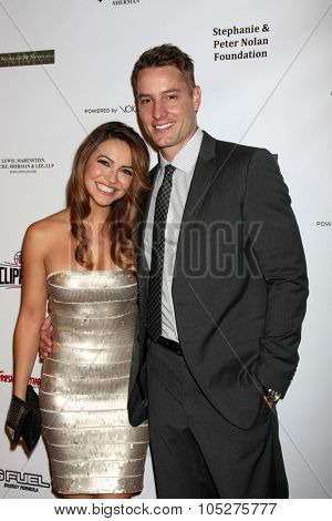 LOS ANGELES - OCT 17:  Chrishell Stause, Justin Hartley at the  LAPD Eagle & Badge Foundation Gala at the Century Plaza Hotel on October 17, 2015 in Century City, CA