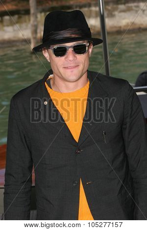 VENICE - SEPT 4:Heath Ledger attends the I'm Not There photocall in Venice during the 64th Venice Film Festival on September 4, 2007 in Venice, Italy.