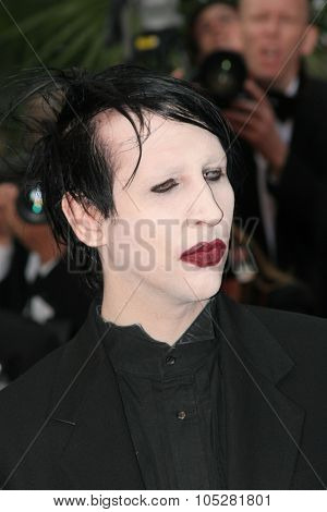 CANNES, FRANCE - MAY 20: Musician Marilyn Manson attends the 'Selon Charlie' premiere at the Palais des Festivals during the 59th International Cannes Film Festival May 20, 2006 in Cannes, France.