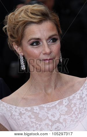 CANNES, FRANCE - MAY 21: Anne Consigny   attends the 'Vous N'avez Encore Rien Vu' premiere during the 65th  Cannes  Festival at Palais des Festivals on May 21, 2012 in Cannes, France