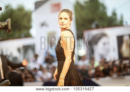 Alessandra Ambrosio  attends the premiere of 'Spotlight' during the 72nd Venice Film Festival on September 3, 2015 in Venice, Italy.