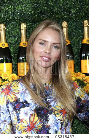 LOS ANGELES - OCT 17:  Taylor Ann Erickson at the Sixth-Annual Veuve Clicquot Polo Classic at the Will Rogers State Historic Park on October 17, 2015 in acific Palisades, CA