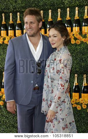 LOS ANGELES - OCT 17:  Curtis Stone, Lindsay Price at the Sixth-Annual Veuve Clicquot Polo Classic at the Will Rogers State Historic Park on October 17, 2015 in acific Palisades, CA