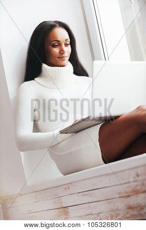 Beauty Surfing The Net.