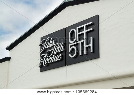 Saks Fifth Avenue Outlet Store Exterior