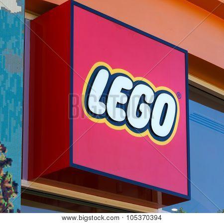 Legoland Retail Store Exterior