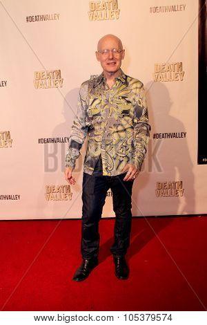LOS ANGELES- OCT 17: Bert Kish arrives at the