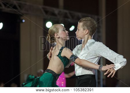 Minsk, Belarus -september 26, 2015: Kolesnev Nikita And Lutsenko Dariya Perform Juvenile-1 Latin-ame