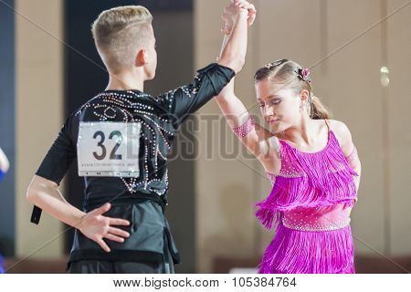 Minsk, Belarus -september 26, 2015: Volkov Iliya And Artemieva Ekaterina Perform Juvenile-1 Latin-am