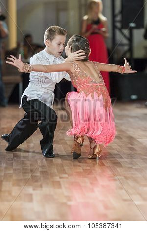 Minsk, Belarus -september 26, 2015: Shvedov Michail And Zelenskaya Anastasiya Perform Juvenile-1 Lat
