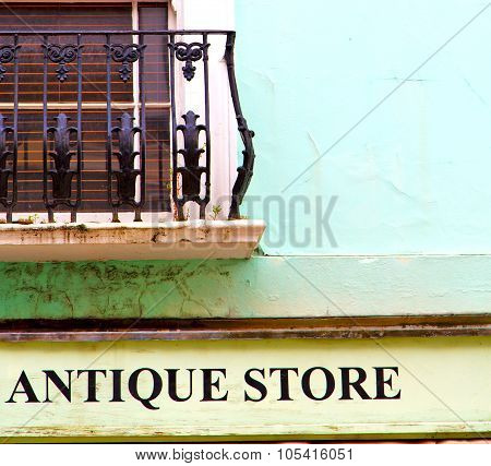 Notting   Hill  Area  In London England Old Antique Store