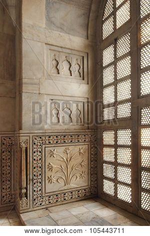 AGRA, INDIA - NOVEMBER 17: Interior of Taj Mahal mausoleum