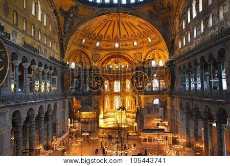 ISTANBUL, TURKEY - NOVEMBER 14, 2012: Hagia sofia museum interior