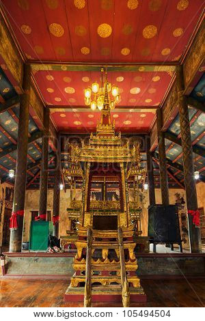 Pulpit Buddhist