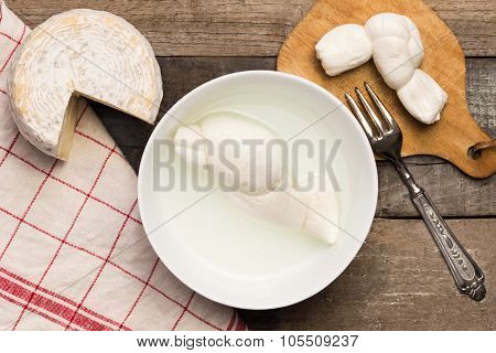 Dairy Products: Mozzarella And Caciotta